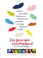DES GENS QUI S'EMBRASSENT, French poster art, Kad Merad, Monica Bellucci, Eric Elmosnino, Valerie Bonneton, Max Boublil, Lou de Laage, Clara Ponsot, Ivry Gitlis, 2013. ©Pathe