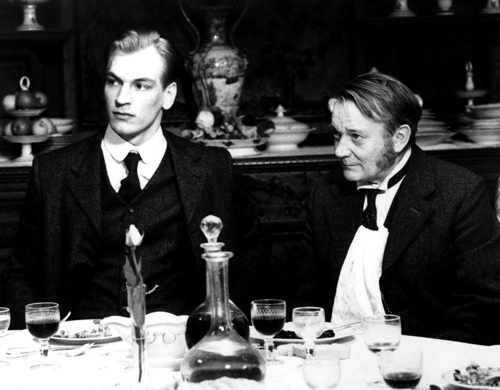 A ROOM WITH A VIEW, Julian Sands, Denholm Elliott, 1986,