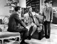 THE PRESIDENT'S ANALYST, William Daniels, James Coburn (center), 1967