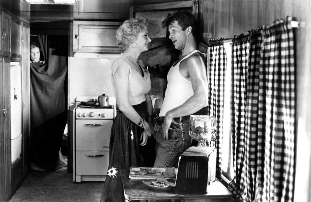 NADINE, Kim Basinger, Glenne Headly, Jeff Bridges, 1987. (c)TriStar Pictures..