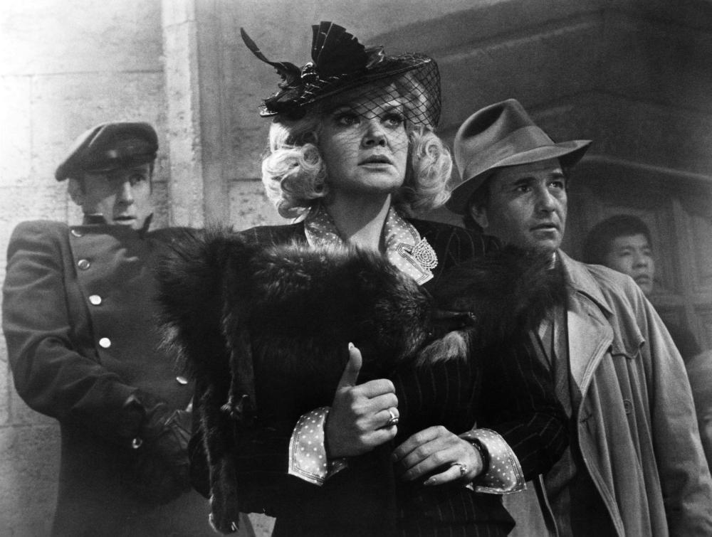 MURDER BY DEATH, James Cromwell, Eileen Brennan, Peter Falk, 1976