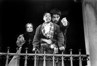 MAP OF THE HUMAN HEART, Jeanne Moreau, Robert Joamie, Vincent Ward on set, 1993, (c)Miramax Films