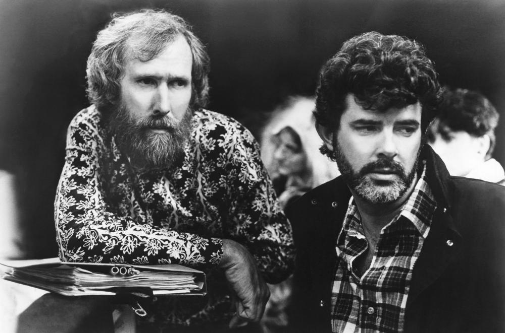 LABYRINTH, director Jim Henson, executive producer George Lucas on set, 1986, (c)TriStar Pictures