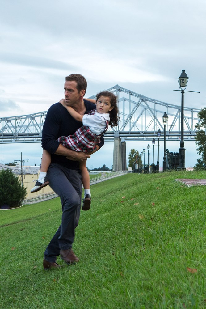 SELF/LESS, (aka SELFLESS), from left: Ryan Reynolds, Jaynee-Lynne Kinchen, 2015. ph: Hilary Bronwyn Gale/© Focus Features