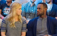 TRAINWRECK, from left: Amy Schumer, LeBron James, 2015. ph: Mary Cybulski/©Universal Pictures