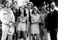JAWS 3-D, Simon MacCorkindale (left), Dan Blasko (second from left), Lea Thompson (third from left), Dennis Quaid (center), Bess Armstrong (third from right), Louis Gossett Jr. (right), 1983, (c)Universal