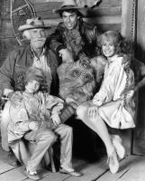 HYPER SAPIEN: PEOPLE FROM ANOTHER STAR, (clockwise from bottom left): Rosie Marcel, Keenan Wynn, Ricky Paull Goldin, Sydney Penny, 1986, (c)TriStar Pictures