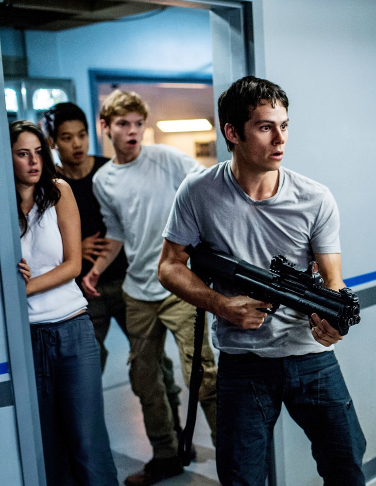 MAZE RUNNER: THE SCORCH TRIALS, from left: Dylan O'Brien, Kaya Scodelario, Ki Hong Lee, Thomas Brodie-Sangster, 2015. ph: Richard Foreman Jr./TM and Copyright ©20th Century Fox Film Corp. All rights reserved.