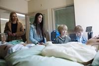 90 MINUTES IN HEAVEN, (aka NINETY MINUTES IN HEAVEN), from left: Kate Bosworth, Elizabeth Hunter, Bobby Batson, Hudson Meek, Hayden Christensen, 2015. ph: Quantrell Colbert