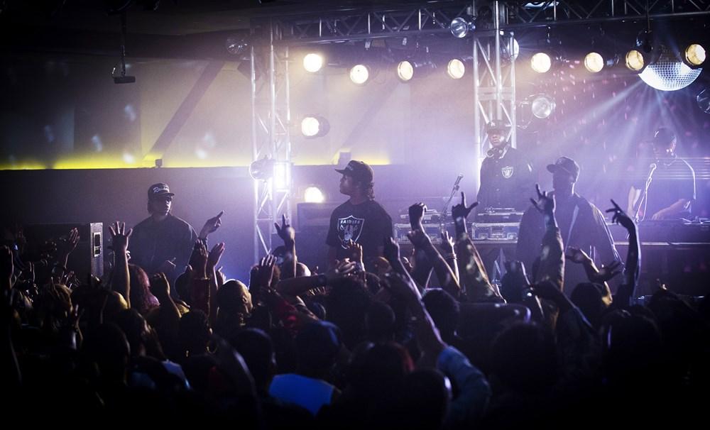STRAIGHT OUTTA COMPTON, Jason Mitchell, as Eazy-E, O'Shea Jackson Jr., as Ice Cube, Corey Hawkins, as Dr. Dre, Aldis Hodge, as MC Ren, Neil Brown Jr., as Dj Yella, 2015. ph: Jamie Trueblood/©Universal Pictures