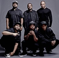 STRAIGHT OUTTA COMPTON, top, from left, Ice Cube, director F. Gary Gray, Dr. Dre, bottom, from left, O'Shea Jackson Jr., Jason Mitchell, Corey Hawkins, 2015. ph: Todd MacMillan/©Universal Pictures