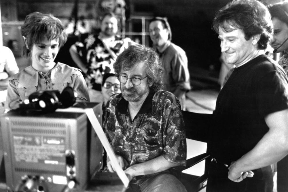 HOOK, Julia Roberts, director Steven Spielberg, Robin Williams on-set, 1991. (c) TriStar Pictures.