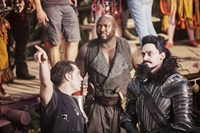PAN, director Joe Wright, Nonso Anozie, Hugh Jackman, on set, 2015. ph: Laurie Sparham/©Warner Bros. Pictures