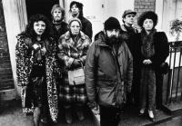 HIGH HOPES, Heather Tobias, Philip Davis, Edna Dore, Ruth Sheen, director Mike Leigh, David Bamber, Leslie Manville on set, 1988, (c) Skouras Pictures
