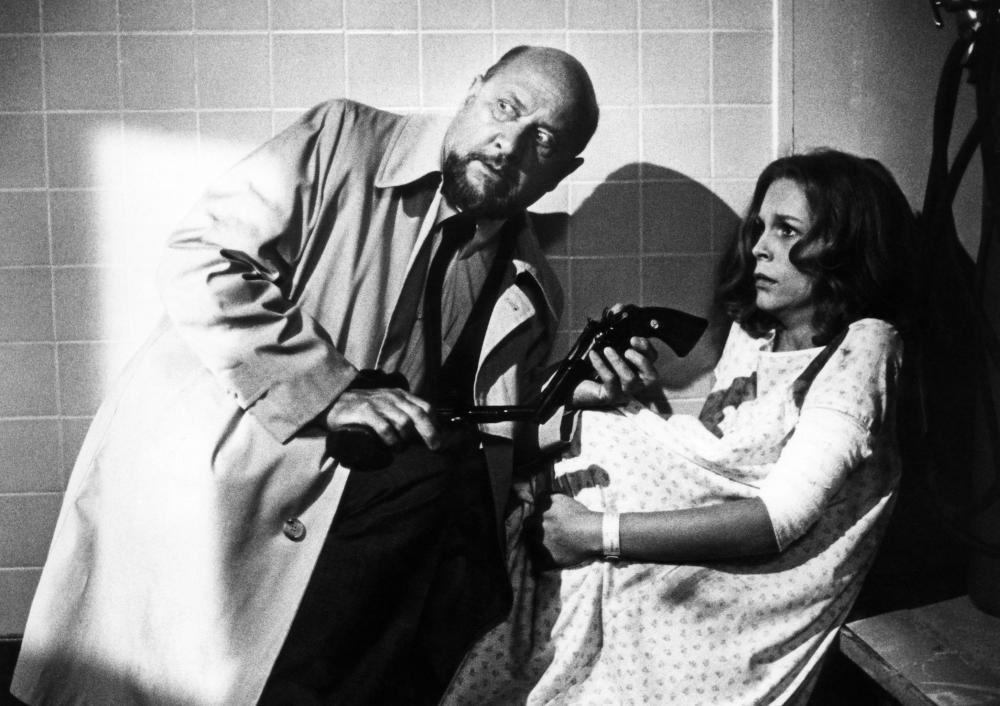 halloween ii donald pleasence jamie lee curtis 1981 universal pictures - Halloween 2 1981 Full Movie