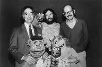 THE GREAT MUPPET CAPER, top: producer David Lazer, Kermit the Frog, director Jim Henson, producer Frank Oz, bottom: Fozzie Bear, Gonzo, Miss Piggy, 1981. ©Universal