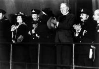 AND THE SHIP SAILS ON, Freddie Jones (third from left), 1983, (c)Triumph Films