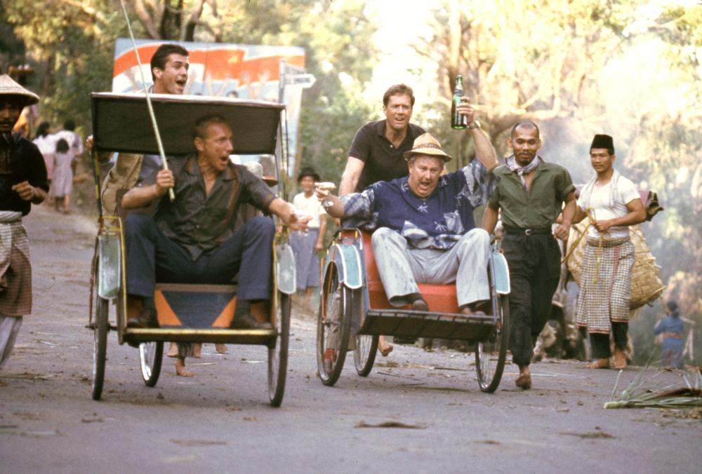 THE YEAR OF LIVING DANGEROUSLY, Mel Gibson, Paul Sonkkila, Michael Murphy, Noel Ferrier, 1982, (c) MGM