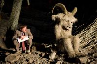WHERE THE WILD THINGS ARE, from left: director Spike Jonze, Alexander (voice: Paul Dano), on set, 2009. ©Warner Bros.