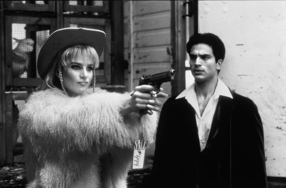 WELCOME TO WOOP WOOP, Rachel Griffiths, Johnathon Schaech, 1997, (c) Samuel Goldwyn