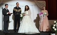 I SAW THE LIGHT, Tom Hiddleston as Hank Williams (fringe), Maddie Hasson (wedding dress), 2015. ph: Sam Emerson/© Sony Pictures Classics