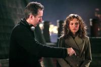 V FOR VENDETTA, Director James McTeigue, Natalie Portman, on set, 2006, ©Warner Bros.