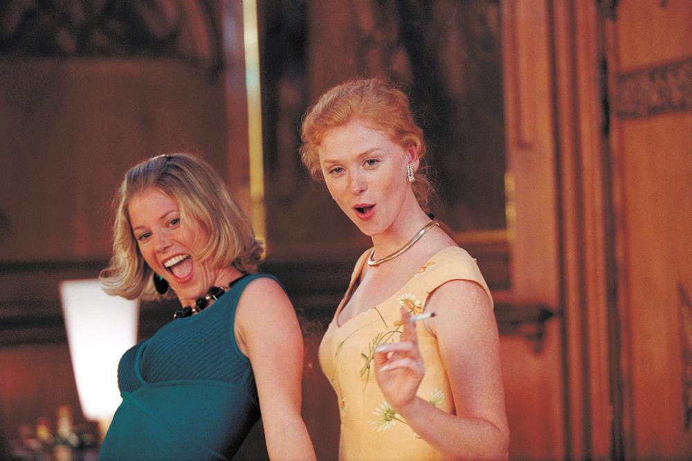 VENUS AND MARS, from left: Julie Bowen, Fay Masterson, 2001, © Buena Vista