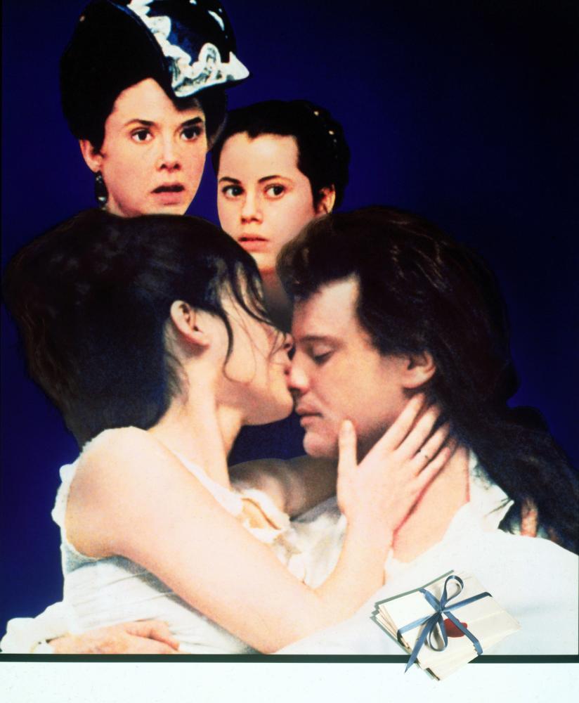 VALMONT, (background) Annette Bening, Fairuza Balk, (foreground) Meg Tilly, Colin Firth, 1989, (c) Orion