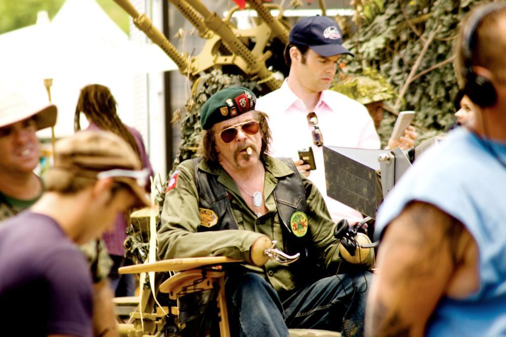 TROPIC THUNDER, Nick Nolte (seated, wearing sunglasses), Bill Hader (background wearing baseball cap), 2008. ©DreamWorks Distribution