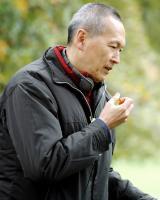 A THOUSAND YEARS OF GOOD PRAYERS, director Wayne Wang, on set, 2007. ©Magnolia Pictures