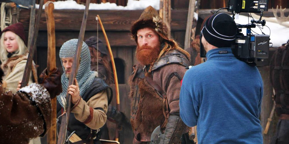 THE LAST KING, (aka BIRKEBEINERNE), center: Kristofer Hivju, on set, 2016. ©Magnolia Pictures