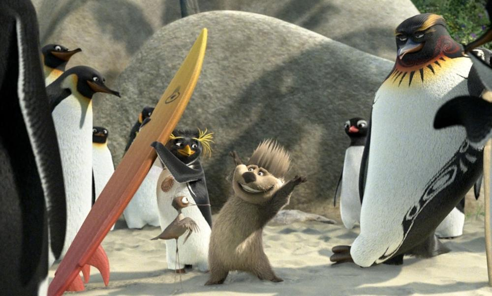 SURF'S UP, Cody Maverick (left of center, voice: Shia Labeouf), Mike Abromowitz (center, voice: Mario Cantone), Tank Evans (right, voice: Diedrich Bader), 2007. ©Sony Pictures International