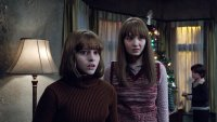 THE CONJURING 2, from left: Madison Wolfe, Lauren Esposito, Patrick McAuley, 2016. © New Line Cinema