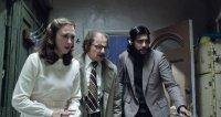 THE CONJURING 2, from left: Vera Farmiga, Simon McBurney, Abhi Sinha, 2016. © New Line Cinema