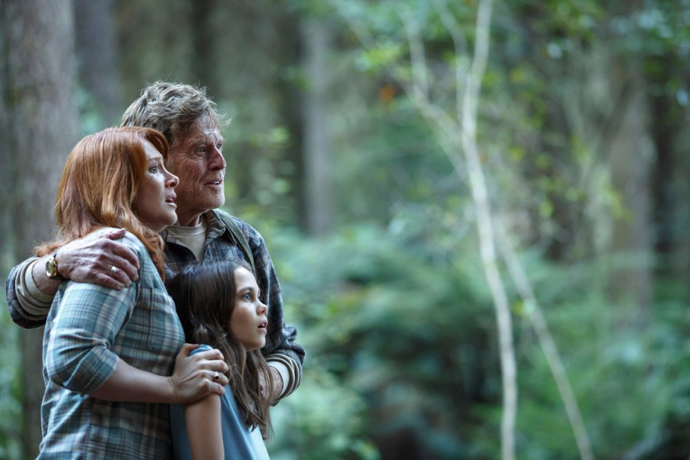PETE'S DRAGON, from left: Bryce Dallas Howard, Robert Redford, Oona Laurence, 2016. ph: Matt Klitscher/© Walt Disney Pictures