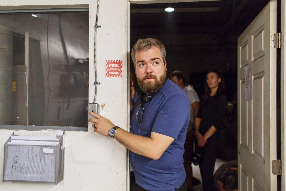 LIGHTS OUT, director David F. Sandberg, on set, 2016. ph: Ron Batzdorff/© Warner Bros.
