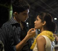 SLUMDOG MILLIONAIRE, from left: Dev Patel, Freida Pinto, 2008. ©Fox Searchlight