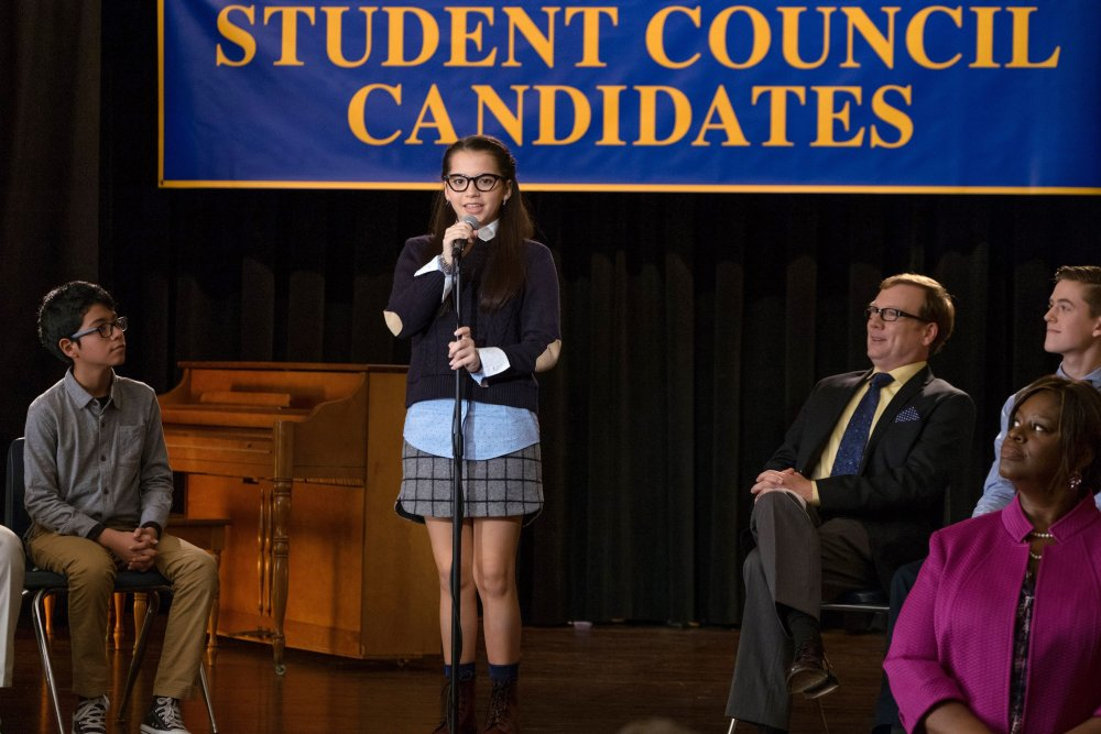 MIDDLE SCHOOL: THE WORST YEARS OF MY LIFE, Isabela Moner (standing), Andrew Daly (legs crossed), Retta (front right), 2016. ph: Frank Masi/© CBS