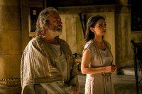 BEN-HUR, Haluk Biligner as Simonides, Nazanin Boniadi, ph: Philippe Antonello/© Paramount Pictures