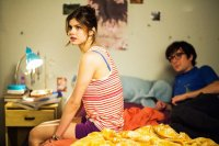 Baked in Brooklyn, Josh Brener (L), Alexandra Daddario (R), 2016, © Well Go USA Entertainment