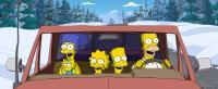 THE SIMPSONS MOVIE, Marge Simpson (back left, voice: Julie Kavner), Maggie Simpson (front left), Lisa Simpson (center left, voice: Yeardley Smith), Bart Simpson (center right, Nancy Cartwright), Homer Simpson (voice: Dan Castellaneta), 2007. TM & copyright