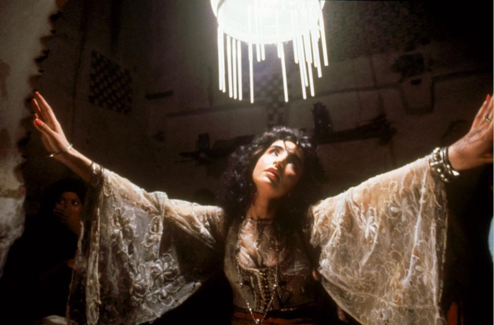 THE SHELTERING SKY, Amina Annabi, 1990, (c) Warner Brothers