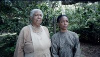 THE BIRTH OF A NATION, from left: Esther Scott, Aunjanue Ellis, 2016. TM and copyright ©Fox Searchlight Pictures. All rights reserved.