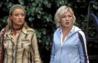SHAUN OF THE DEAD, Lucy Davis, Kate Ashfield, 2004, (c) Rogue Pictures