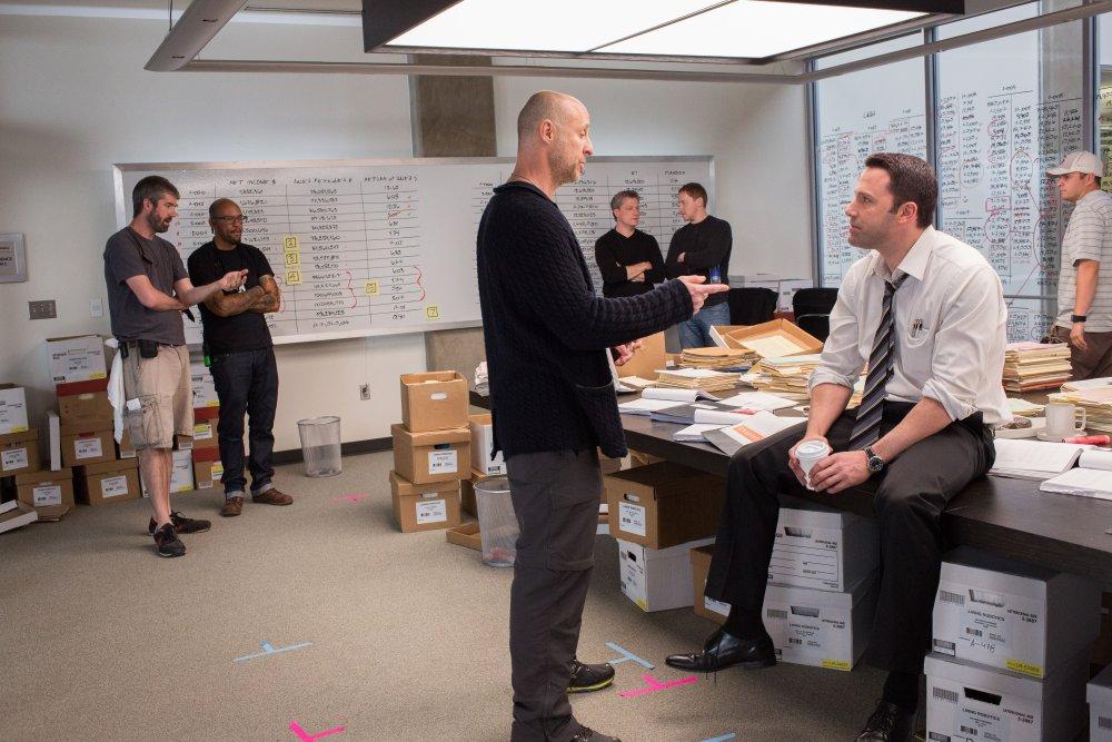 THE ACCOUNTANT, from left: director Gavin O'Connor, Ben Affleck, on set, 2015. ph: Chuck Zlotnick/©Warner bros.
