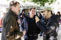 JACK REACHER: NEVER GO BACK, from left: author Lee Child, Tom Cruise, director Edward Zwick, on set, 2016. ph: David James/© Paramount