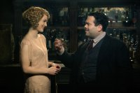 FANTASTIC BEASTS AND WHERE TO FIND THEM, from left, Alison Sudol, Dan Fogler, 2016. ph: Jaap Buitendijk. © Warner Bros.