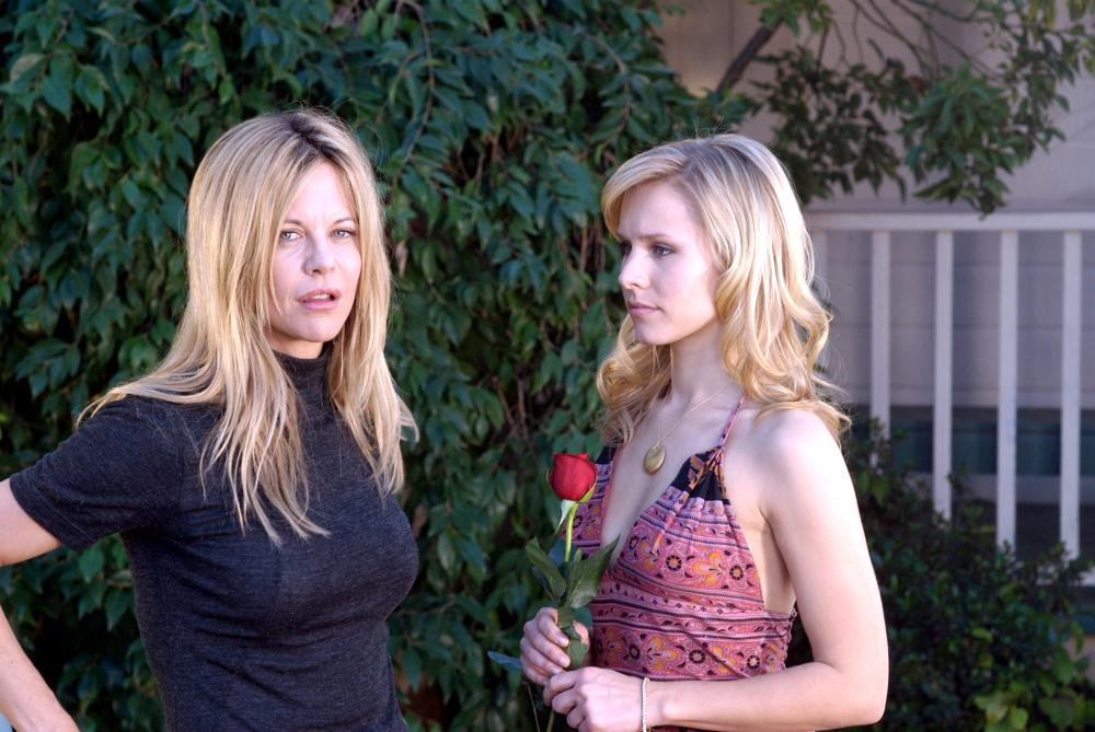 SERIOUS MOONLIGHT, from left: Meg Ryan, Kristen Bell, 2009. ©Magnolia Pictures