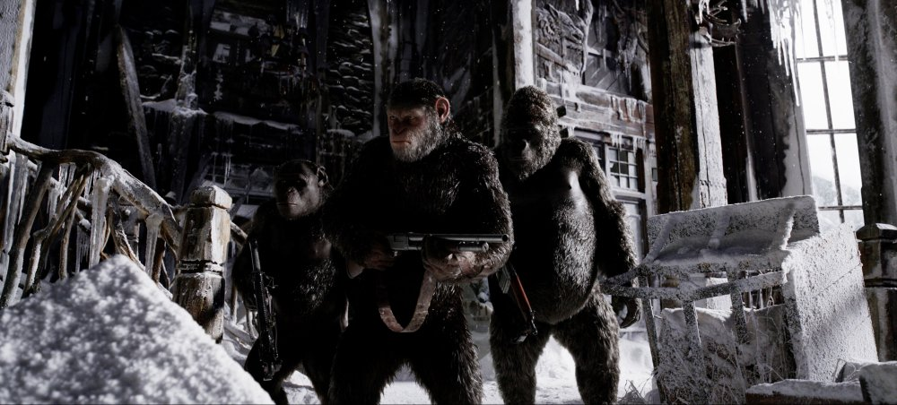 WAR FOR THE PLANET OF THE APES, ANDY SERKIS (CENTER), 2017. TM AND COPYRIGHT © 20TH CENTURY FOX FILM CORP. ALL RIGHTS RESERVED.