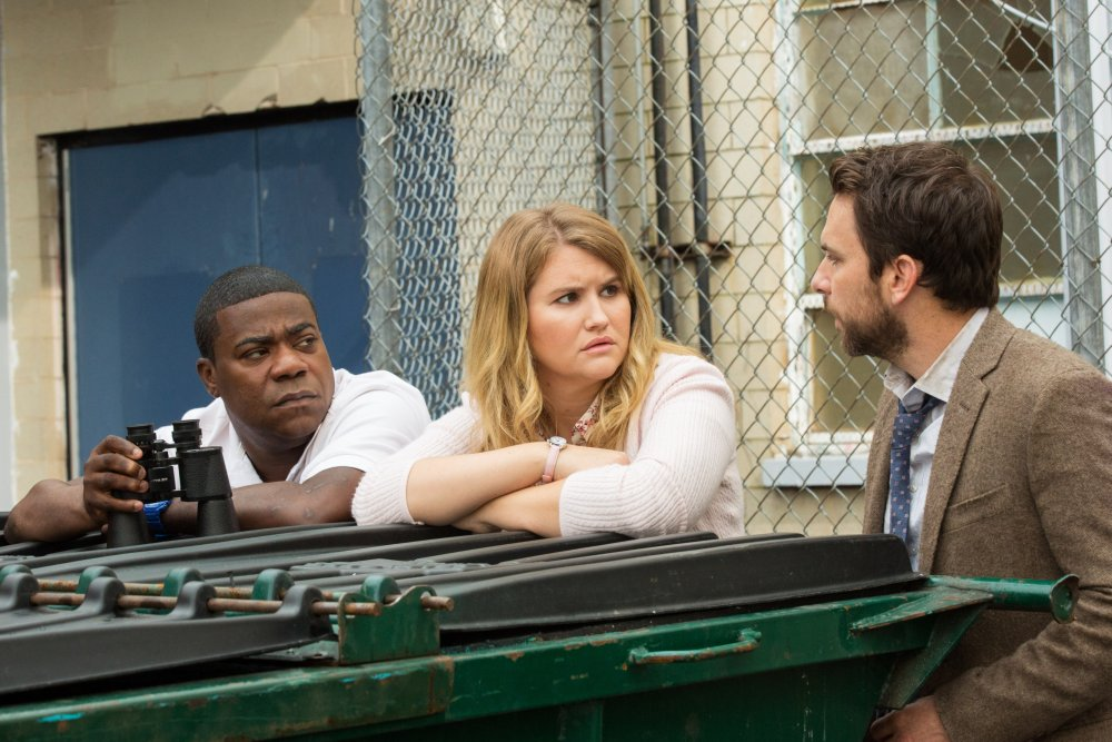 FIST FIGHT, FROM LEFT: TRACY MORGAN, JILLIAN BELL, CHARLIE DAY, 2017. PH: BOB MAHONEY/© WARNER BROS.